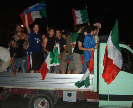World Champion Truck (450Wx365H) - Another truck full of partying fans (Photo by Danette St.Onge)