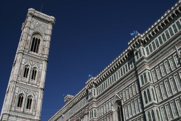 Campanile di Giotto (600Wx400H) - A wonderful view of Duomo and Campanile di Giotto - [Photo by Paolo Ramponi]