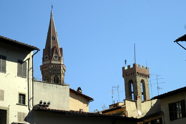 Towers (600Wx400H) - Torre della Badia Fiorentina (left) and Bargello tower. View from Piazza della Signoria [Photo by Paolo Ramponi]