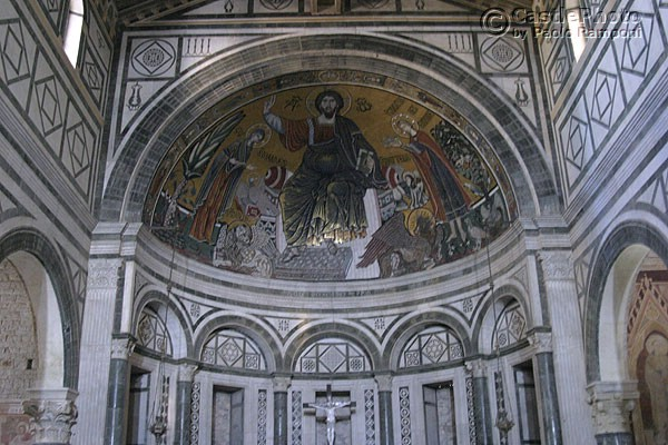 Apse (600Wx400H) - The Apse with the famous mosaic. (Photo by Paolo Ramponi)