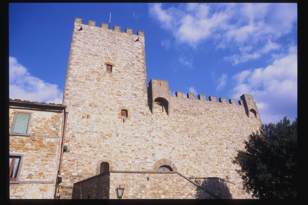 Castellina in Chianti (600Wx400H) - Castellina in Chianti - Photo Courtesy of castellitoscany.com