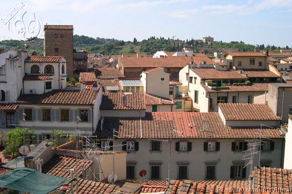 Florentine's roofs (600Wx400H) - Typical roofs of Florence. Other Tuscan cities such as Siena, Arezzo, San Miniato, San Gimignano, Pienza have these kind of red roofs. Would you  like to visit this terrace? Contact rooms@studentsville.it for details (Photo Marco De La Pierre)