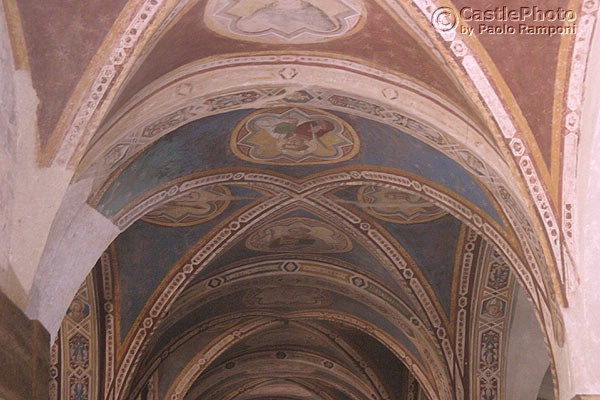 Cript (600Wx400H) - Ancient frescoes on the ceiling of S.Miniato cript. (Photo by Paolo Ramponi)