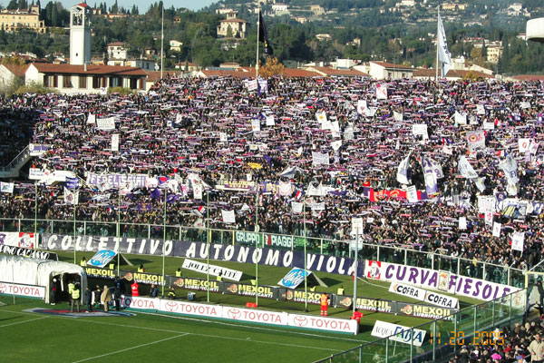 Curva Fiesole (600Wx400H) - Fans of Fiorentina at Artemio Franchi Stadium. In the picture the mythical