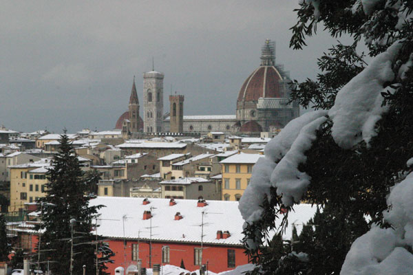 Ski resort Florence (600Wx400H) - 28th December 2005 in Florence  (Photo by Marco De La Pierre)