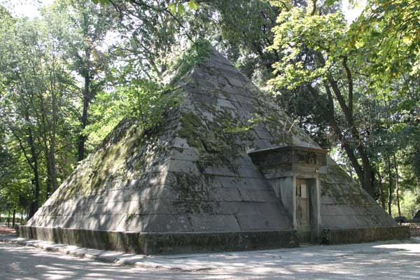 Pyramid @ Cascine Park (600Wx400H) - A Pyramid in the heart of Cascine Park. It wasn't used to bury the Pharaon but - more simply - it was used as a huge natural refrigerator by the most powerful families of the city.. (Photo by Marco De La Pierre)