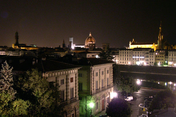 Summer night (600Wx400H) - Night lights. View from San Niccolò. (Photo by Marco De La Pierre)