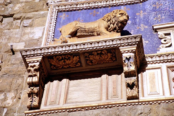 The Lion (600Wx400H) - One of the lions at guard of Palazzo vecchio main entrance.
