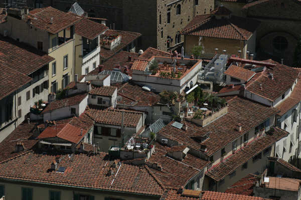 Terraces (600Wx400H) - Typical terraces in the Florentine historical center..(Photo by Marco De La Pierre)
