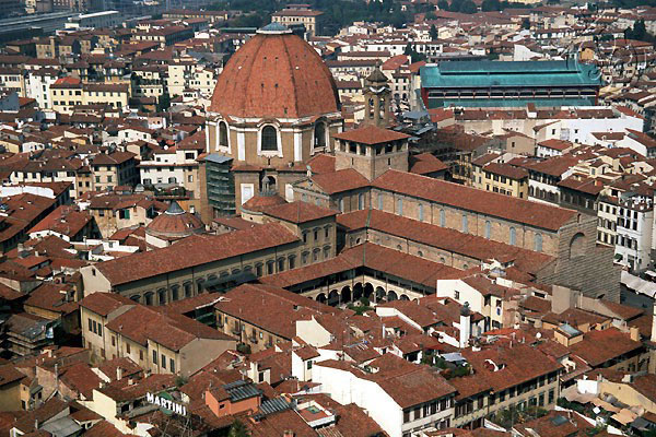 San Lorenzo (600Wx400H) - A view of the Basilica from Giotto's tower...(Photo by Paolo Ramponi)