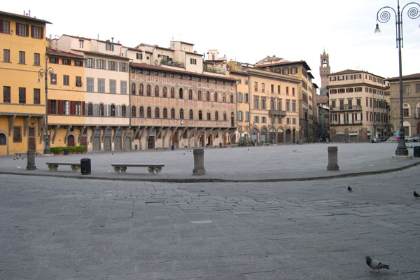 6am in Santa Croce (600Wx400H) - A beautiful morning view of Santa Croce Square very early in the morning (around 6 am) - (Photo by Marco De La Pierre)