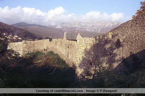 Download Castello di Verrucole (600Wx400H)