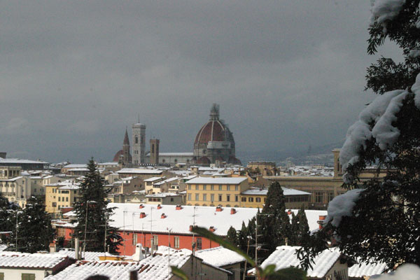 White Florence (600Wx400H) - A view of Florence (Photo by Marco De La Pierre)